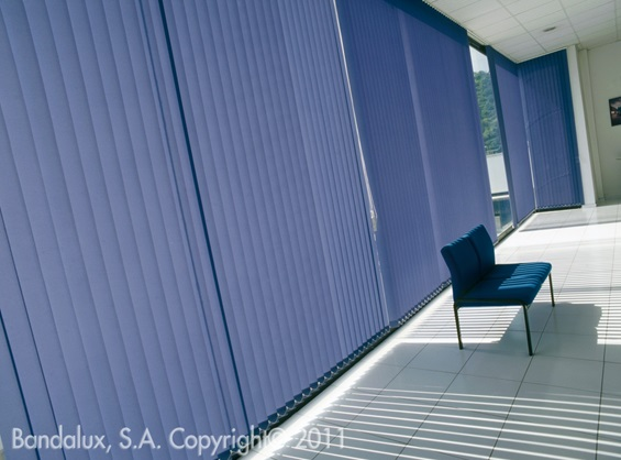 stores interieurs bandes verticales fermeture de terrasse marseille alu service. Black Bedroom Furniture Sets. Home Design Ideas