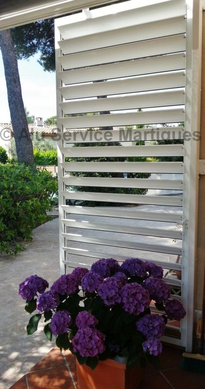 brise vue aluminium pour terrasse et balcon fermeture de terrasse marseille alu service. Black Bedroom Furniture Sets. Home Design Ideas