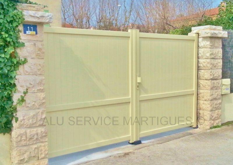Portail aluminium battant a aix en provence pose de stores sur mesure martigues alu service for Pose portail aluminium battant