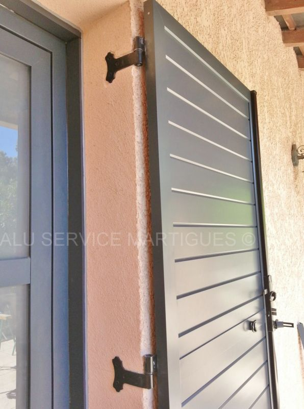 volet battant aluminium sur mesure pose de stores sur mesure martigues alu service. Black Bedroom Furniture Sets. Home Design Ideas
