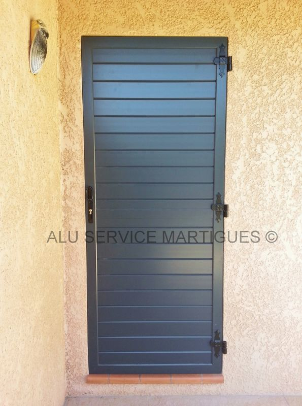 volet battant aluminium sur mesure fermeture de terrasse marseille alu service. Black Bedroom Furniture Sets. Home Design Ideas
