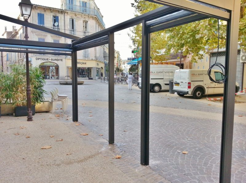 restaurant l 39 oisillon martigues pergola aluminium fermeture de terrasse marseille alu service. Black Bedroom Furniture Sets. Home Design Ideas