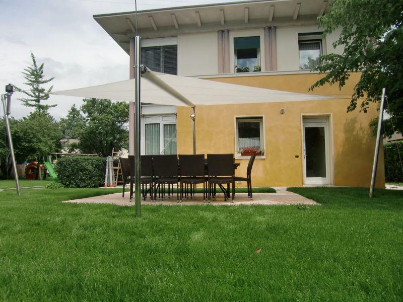 Voile d ombrage sur mesure motorisee a toulon fermeture - Terrasse vue jardin marseille saint etienne ...