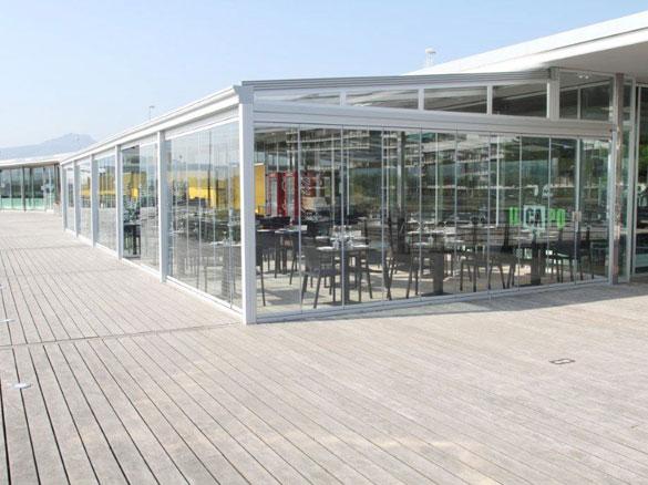 Terrasse Verre : CLOISONS DE VERRE REPLIABLES PANORAMIQUES Fermeture de